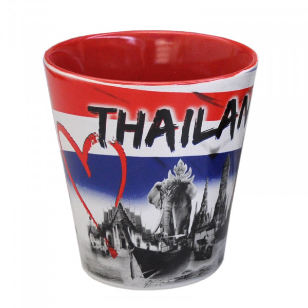 Cups and mugs with Thai motifs