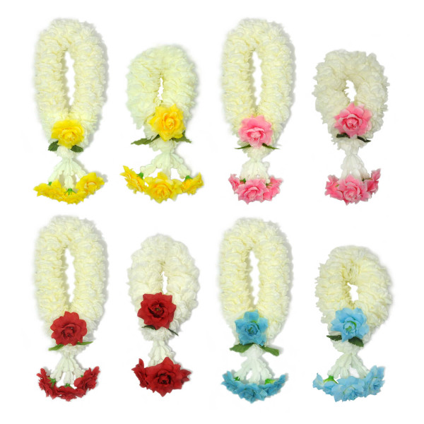 Blumengirlanden im Puang Malai Stil