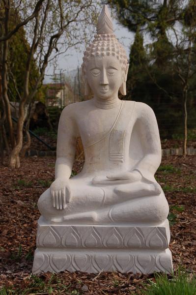 Handgeschlagener Buddha