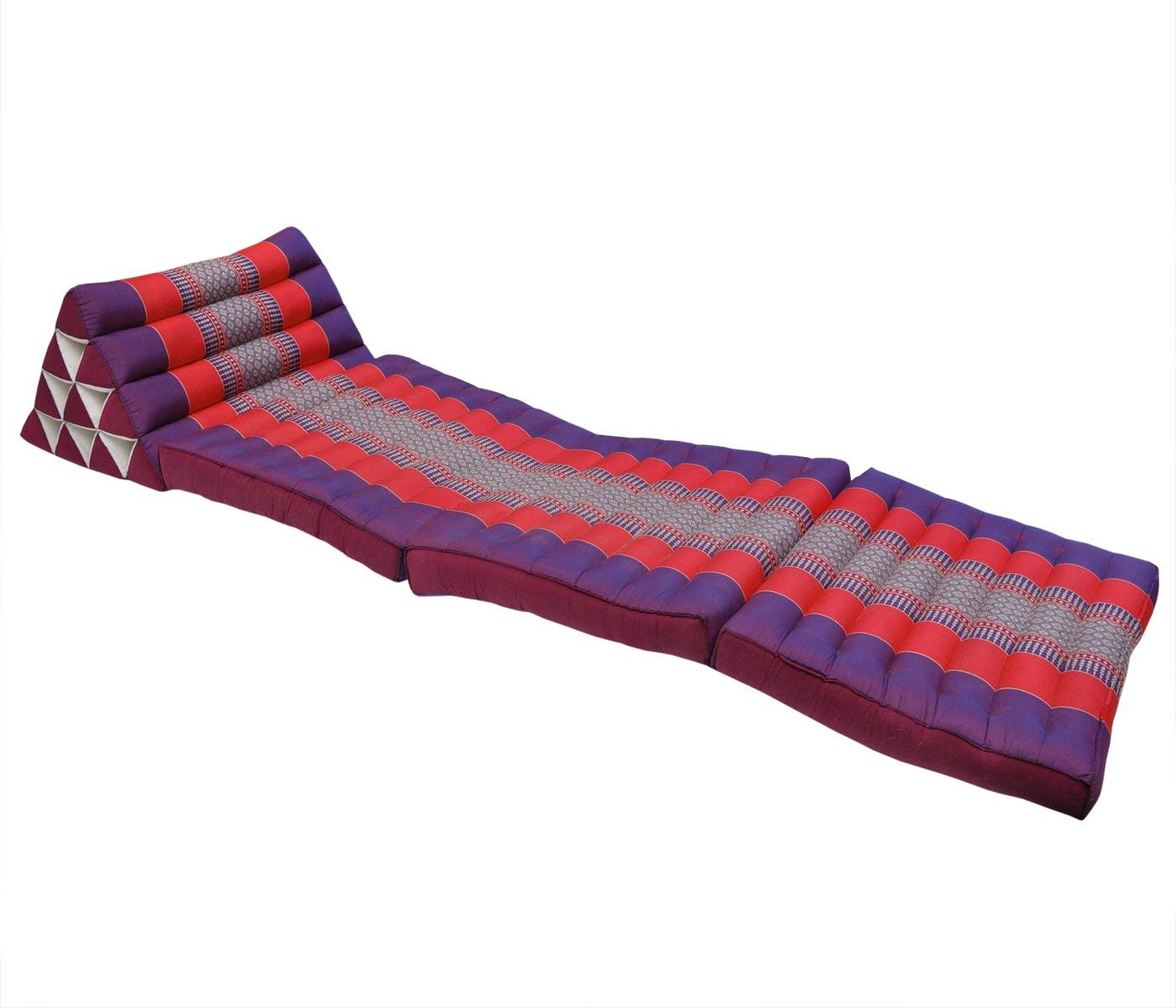 kissen mit drei auflagen violett rot. Black Bedroom Furniture Sets. Home Design Ideas